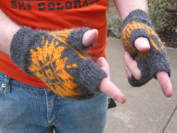http://www.persistentillusion.com/blogblog/fo/fif-gloves