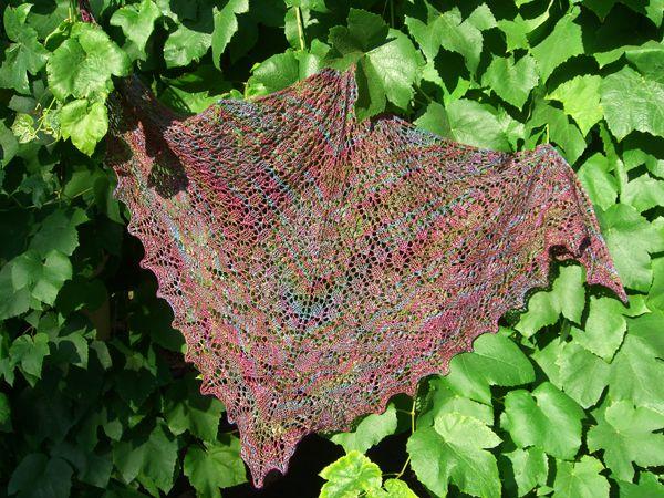 http://www.persistentillusion.com/blogblog/fo/swallowtail-shawl