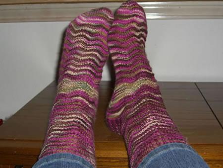 http://www.persistentillusion.com/blogblog/fo/wavy-socks