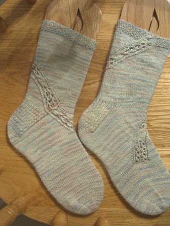 http://www.persistentillusion.com/blogblog/fo/beach-socks-finished