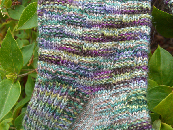 Spanish Lavender Basket Wave socks close up