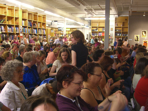 knitters take over Powell's Books