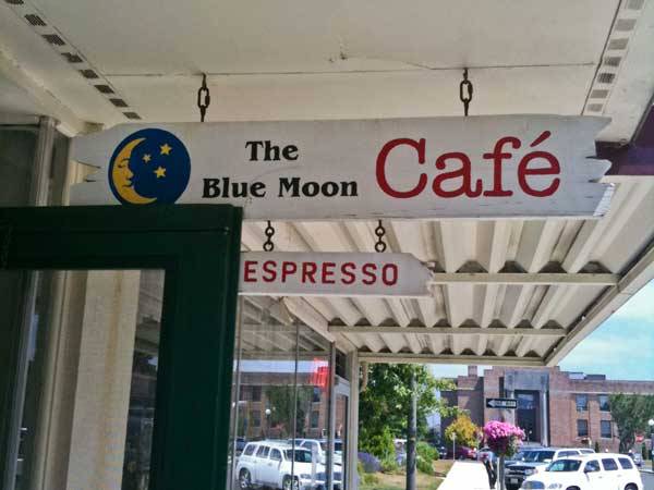 blue moon cafe (not related)
