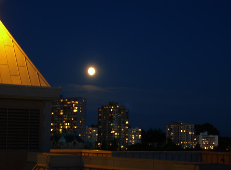 moon over Victoria