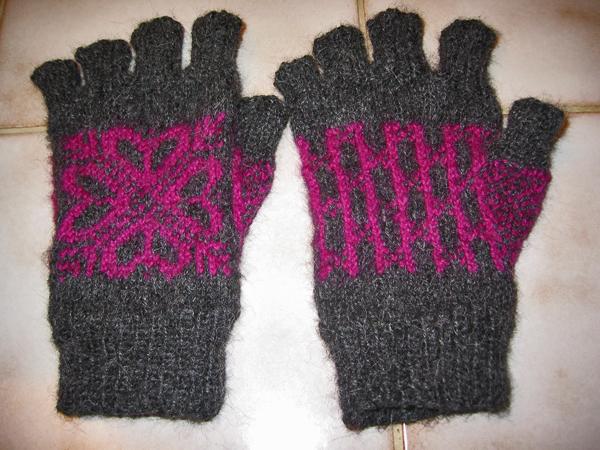 E's gloves