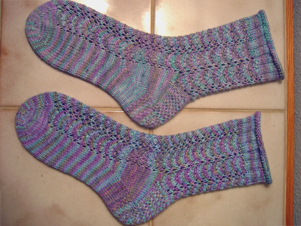 Lace socks in Mermaid for E
